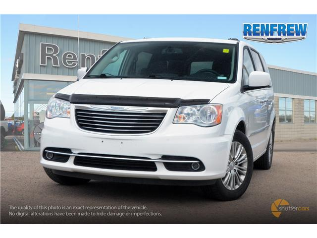2015 Chrysler Town & Country Touring-L (Stk: SLH286A) in Renfrew - Image 1 of 20
