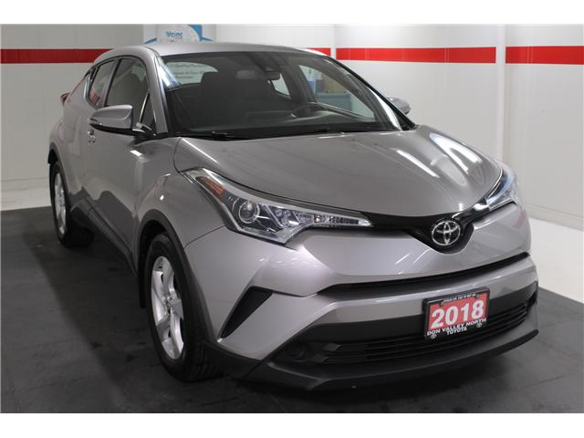 2018 Toyota C-HR XLE (Stk: 298131S) in Markham - Image 2 of 25