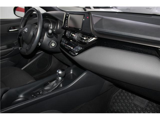2018 Toyota C-HR XLE (Stk: 298131S) in Markham - Image 17 of 25