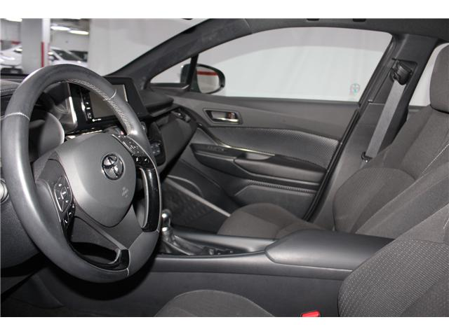 2018 Toyota C-HR XLE (Stk: 298131S) in Markham - Image 7 of 25