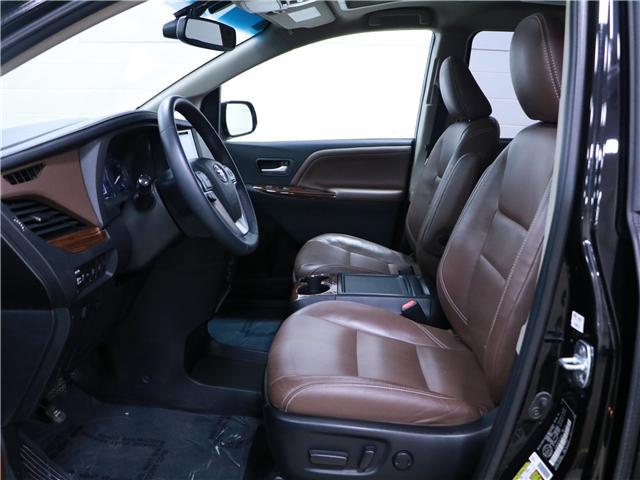 2016 Toyota Sienna XLE 7 Passenger (Stk: 195359) in Kitchener - Image 5 of 33