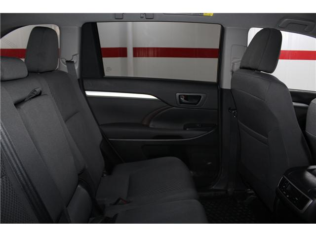 2017 Toyota Highlander LE (Stk: 298136S) in Markham - Image 19 of 24