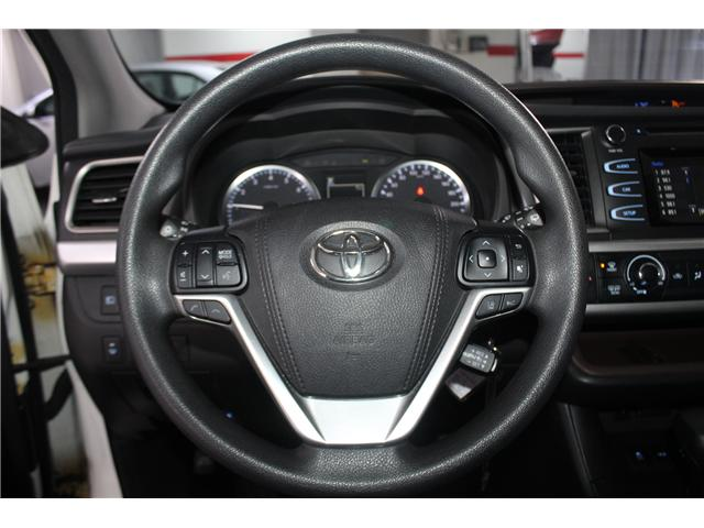 2017 Toyota Highlander LE (Stk: 298136S) in Markham - Image 9 of 24