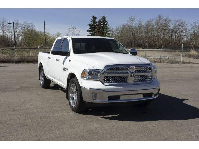 2017 RAM 1500 Laramie (Stk: V614) in Prince Albert - Image 3 of 11