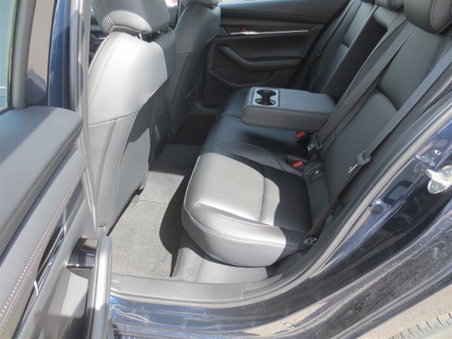 2019 Mazda Mazda3 GS (Stk: M19081) in Steinbach - Image 9 of 22