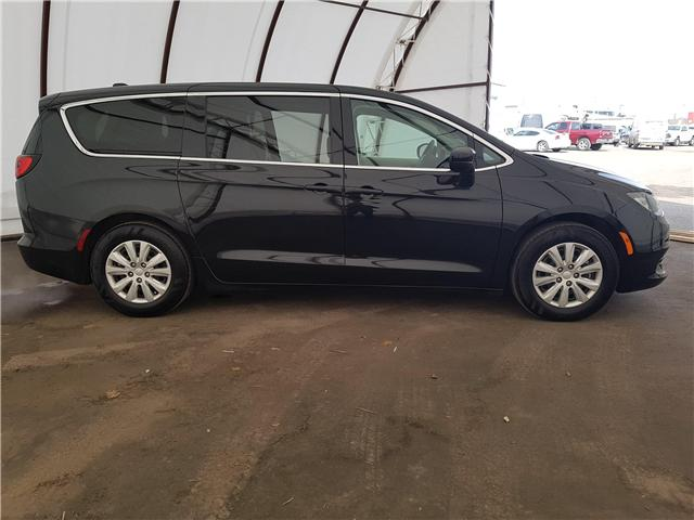 2018 Chrysler Pacifica L (Stk: 1814171R) in Thunder Bay - Image 2 of 17