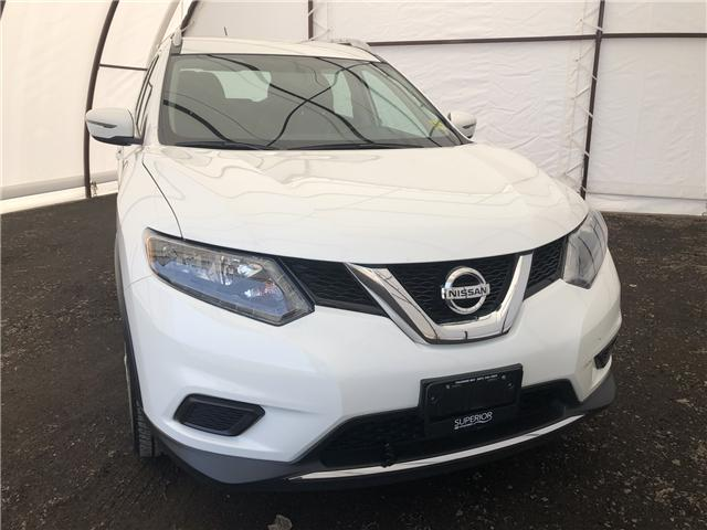 2016 Nissan Rogue S (Stk: 16002A) in Thunder Bay - Image 1 of 18