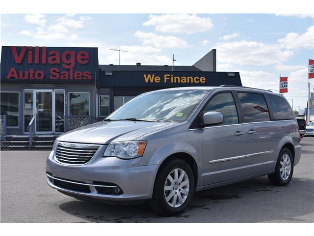 2014 Chrysler Town & Country Touring (Stk: p36596) in Saskatoon - Image 1 of 23