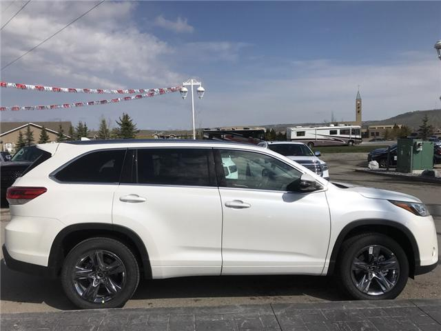 2019 Toyota Highlander Limited (Stk: 190290) in Cochrane - Image 6 of 14