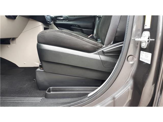 2017 Dodge Grand Caravan CVP/SXT (Stk: HR781319) in Sarnia - Image 9 of 18