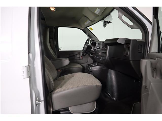 2018 Chevrolet Express 2500 Work Van (Stk: R19-12) in Huntsville - Image 13 of 24