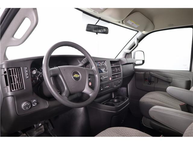 2018 Chevrolet Express 2500 Work Van (Stk: R19-12) in Huntsville - Image 16 of 24