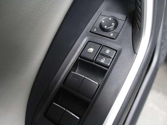 2019 Toyota RAV4 Limited (Stk: W023112) in Winnipeg - Image 8 of 30