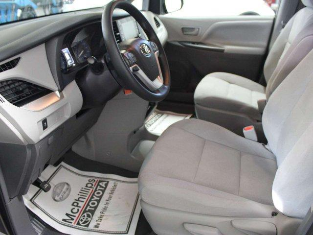 2019 Toyota Sienna 7-Passenger (Stk: S011685) in Winnipeg - Image 7 of 26