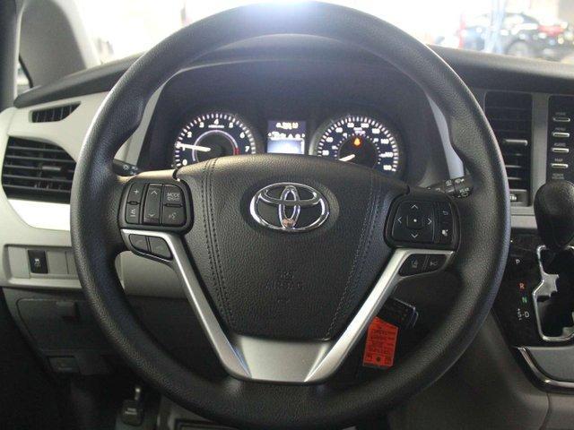 2019 Toyota Sienna 7-Passenger (Stk: S011685) in Winnipeg - Image 11 of 26