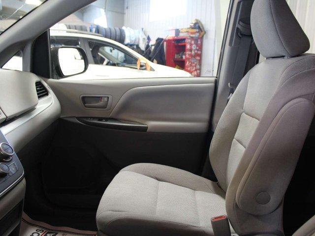2019 Toyota Sienna 7-Passenger (Stk: S011685) in Winnipeg - Image 22 of 26