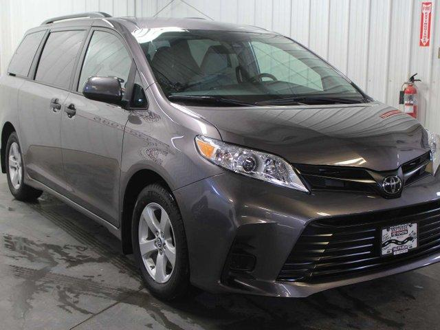 2019 Toyota Sienna 7-Passenger (Stk: S011758) in Winnipeg - Image 4 of 26