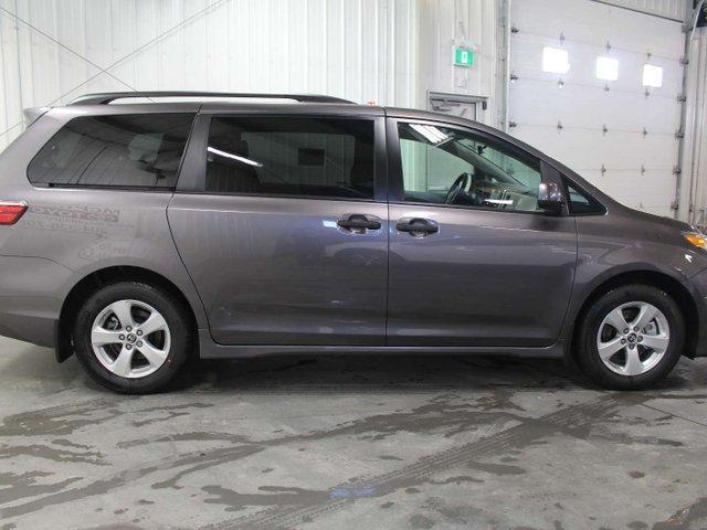 2019 Toyota Sienna 7-Passenger (Stk: S011758) in Winnipeg - Image 5 of 26