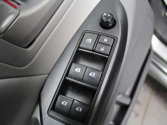 2019 Toyota Sienna 7-Passenger (Stk: S011490) in Winnipeg - Image 8 of 26