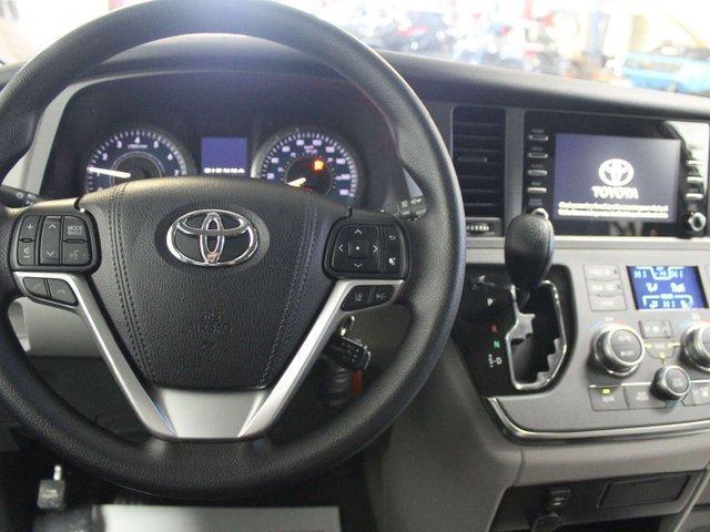 2019 Toyota Sienna 7-Passenger (Stk: S011490) in Winnipeg - Image 10 of 26