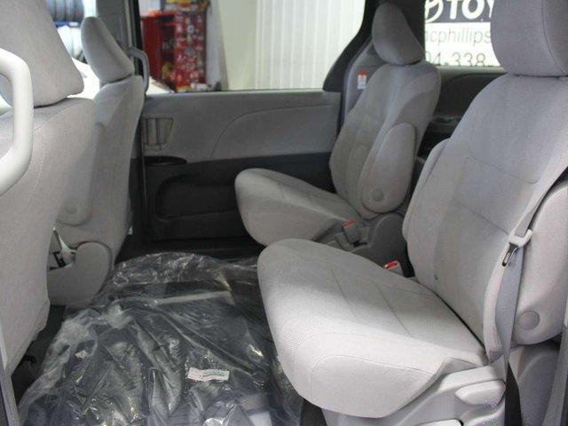 2019 Toyota Sienna 7-Passenger (Stk: S011490) in Winnipeg - Image 23 of 26
