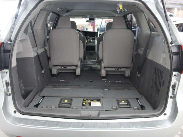 2019 Toyota Sienna 7-Passenger (Stk: S011490) in Winnipeg - Image 25 of 26