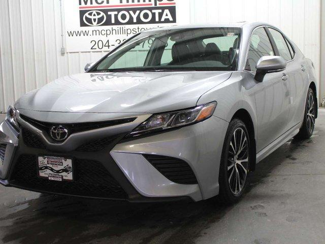2019 Toyota Camry SE (Stk: U241521) in Winnipeg - Image 1 of 28