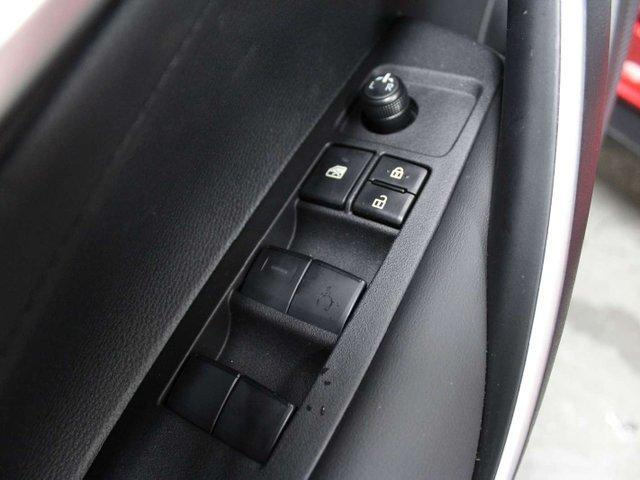 2020 Toyota Corolla SE (Stk: P003177) in Winnipeg - Image 7 of 28