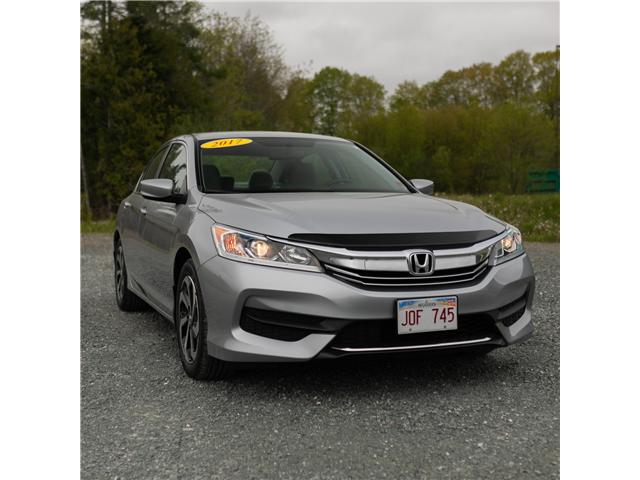 2017 Honda Accord LX (Stk: U5254A) in Woodstock - Image 2 of 12