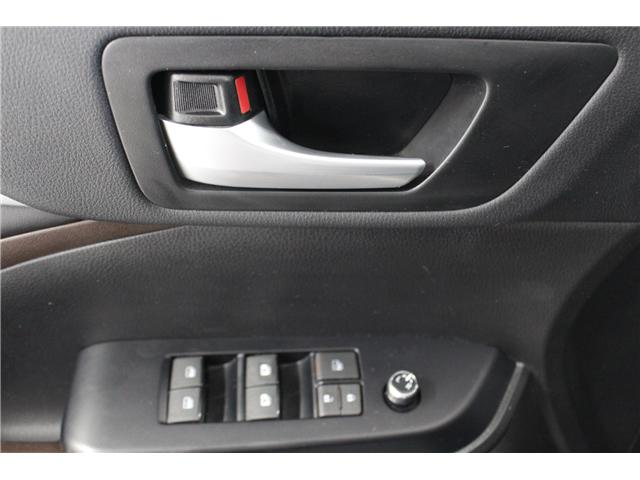 2017 Toyota Highlander XLE (Stk: 298240S) in Markham - Image 6 of 27