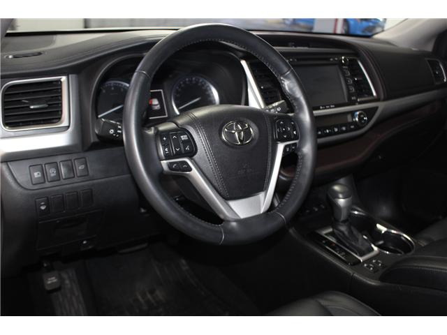 2017 Toyota Highlander XLE (Stk: 298240S) in Markham - Image 10 of 27