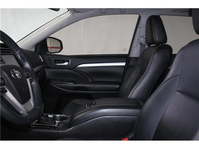 2017 Toyota Highlander XLE (Stk: 298240S) in Markham - Image 7 of 27