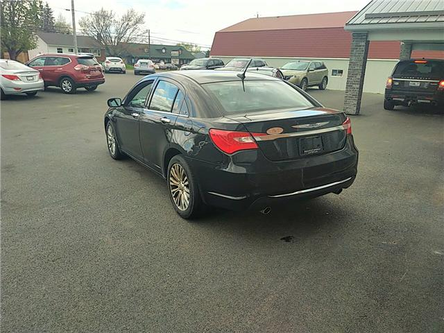 2014 Chrysler 200 Limited (Stk: RW-194198) in Truro - Image 2 of 9