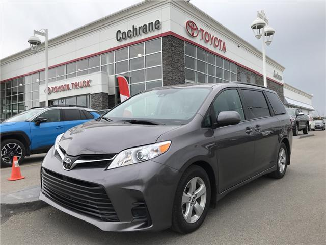 2019 Toyota Sienna LE 8-Passenger (Stk: 2860) in Cochrane - Image 1 of 15
