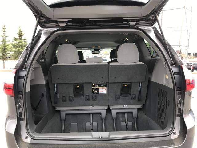 2019 Toyota Sienna LE 8-Passenger (Stk: 2860) in Cochrane - Image 10 of 15