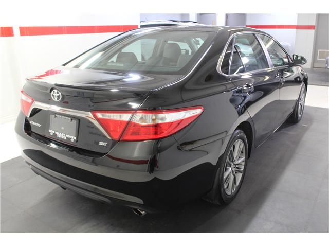 2016 Toyota Camry SE (Stk: 298335S) in Markham - Image 23 of 24
