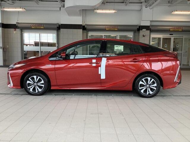 2019 Toyota Prius Prime Upgrade (Stk: 21542) in Kingston - Image 2 of 28