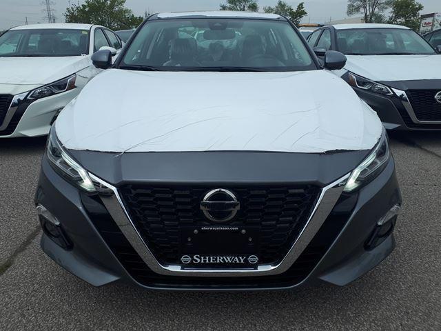2019 Nissan Altima 2.5 Platinum (Stk: T19013) in Toronto - Image 2 of 12