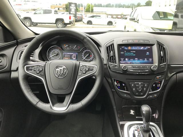 2016 Buick Regal Premium I (Stk: 9K12101) in North Vancouver - Image 8 of 28