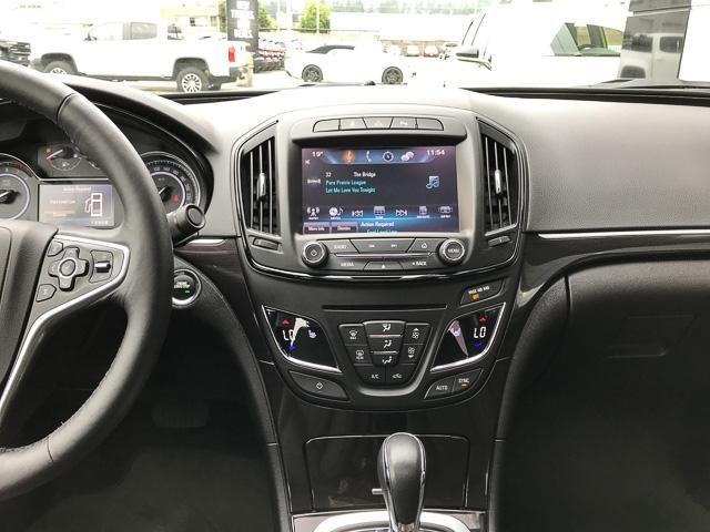 2016 Buick Regal Premium I (Stk: 9K12101) in North Vancouver - Image 9 of 28
