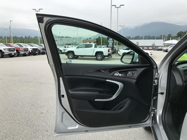2016 Buick Regal Premium I (Stk: 9K12101) in North Vancouver - Image 25 of 28