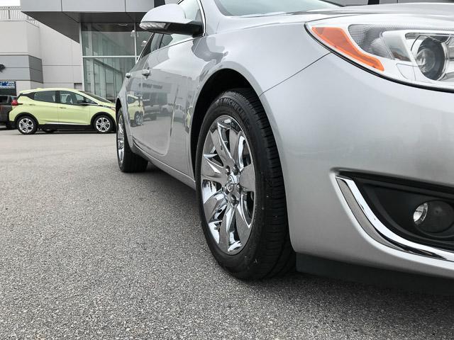 2016 Buick Regal Premium I (Stk: 9K12101) in North Vancouver - Image 16 of 28