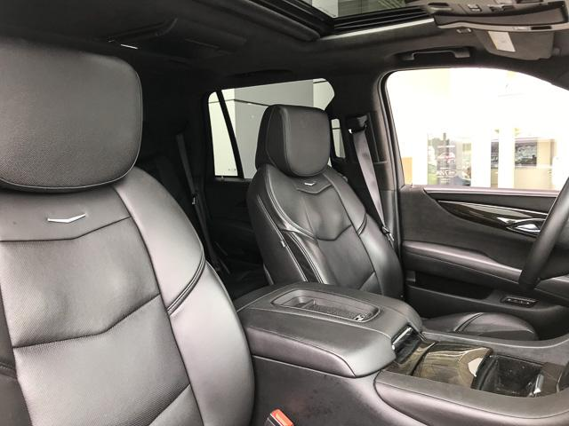 2017 Cadillac Escalade Platinum (Stk: 972360) in North Vancouver - Image 22 of 26
