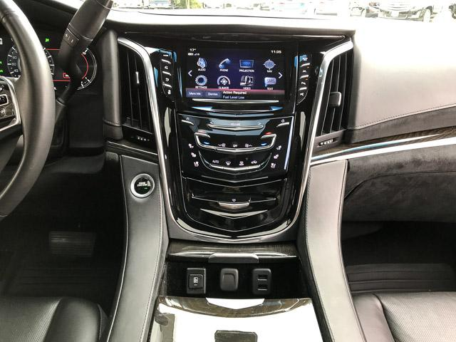 2017 Cadillac Escalade Platinum (Stk: 972360) in North Vancouver - Image 21 of 26