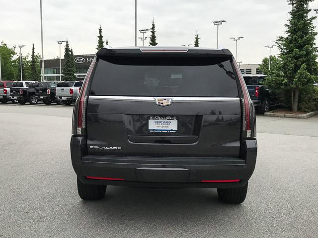 2017 Cadillac Escalade Platinum (Stk: 972360) in North Vancouver - Image 5 of 26