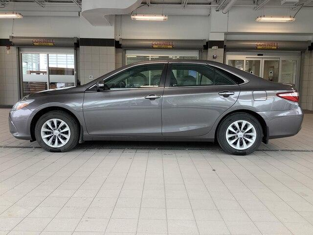 2015 Toyota Camry LE (Stk: P19067) in Kingston - Image 2 of 23