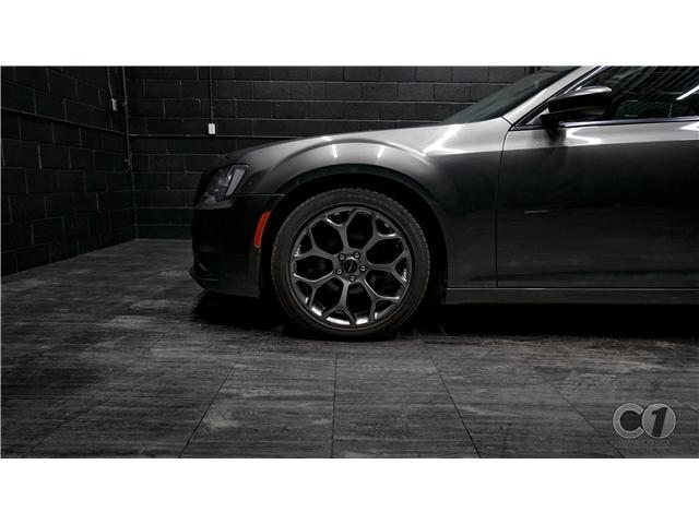 2018 Chrysler 300 S (Stk: CT19-221) in Kingston - Image 10 of 33