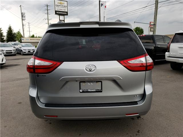 2019 Toyota Sienna LE 8-Passenger (Stk: N13398) in Newmarket - Image 4 of 29