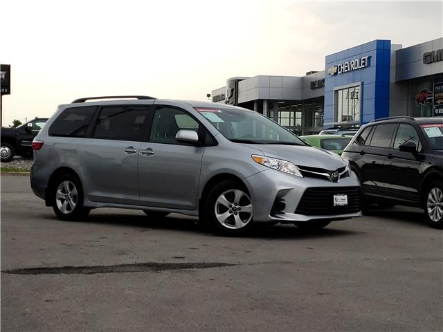 2019 Toyota Sienna LE 8-Passenger (Stk: N13398) in Newmarket - Image 2 of 29