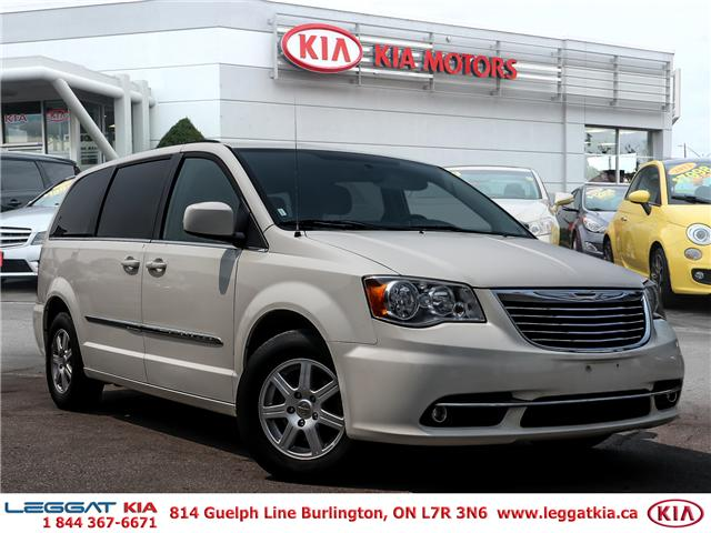 2013 Chrysler Town & Country Touring (Stk: 908045A) in Burlington - Image 1 of 25